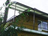 Навес на балконе